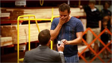 Spencer-Dustin_Marriage-proposal_HomeDepot