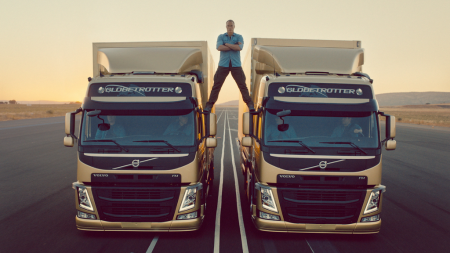 The Epic Split_VolvoTrucks_JCVD