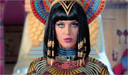 KatyPerry_DarkHorse2