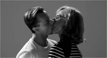Wren_FIRST KISS2