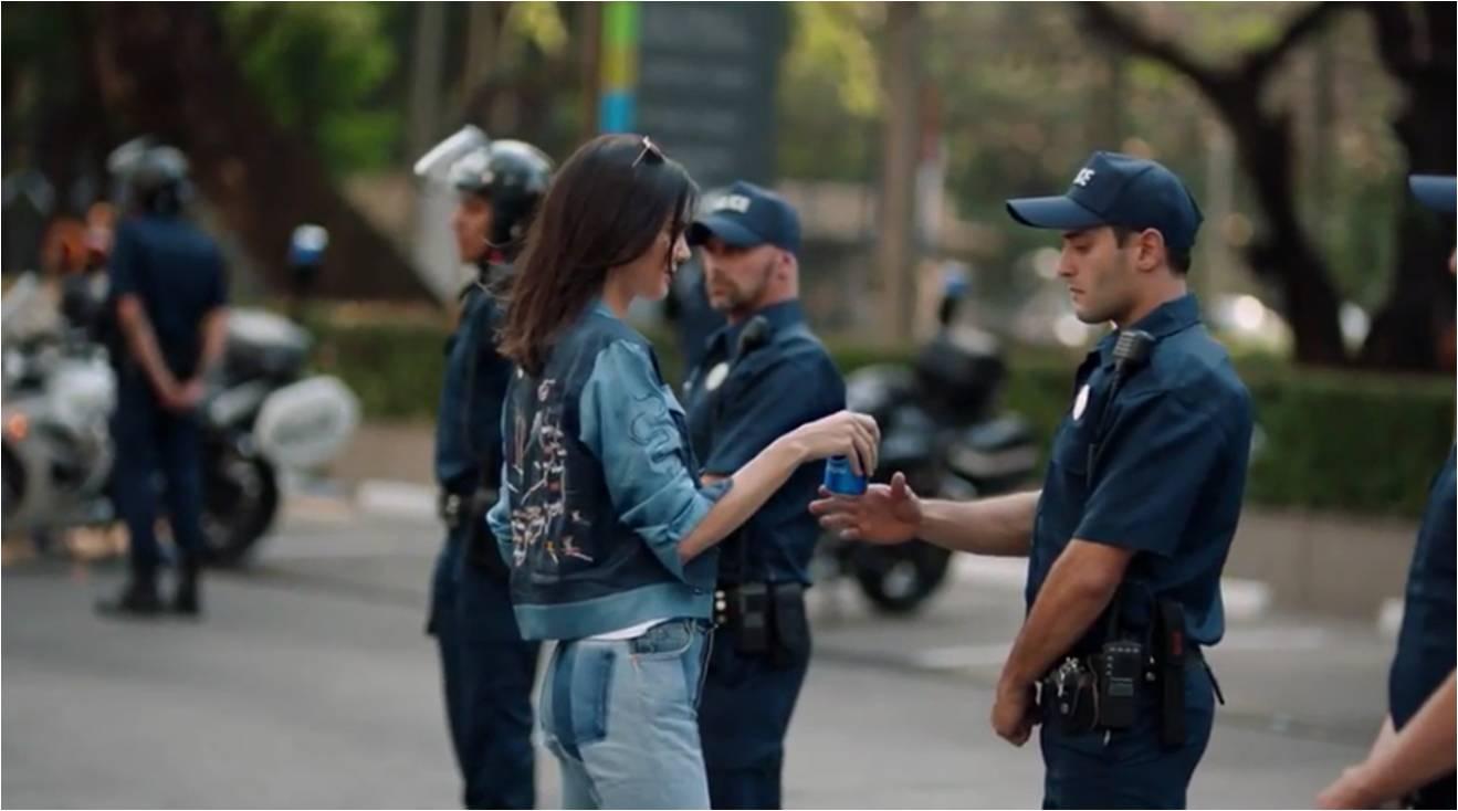 Сес видео с полицейскими фото 69-670